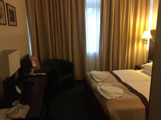 โรงแรมอีฟเบิร์คพรีเมียม: Ivbergs Premium