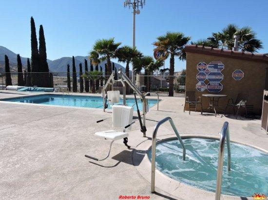 Phelan, Californië: Doppia piscina