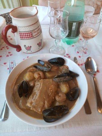 Robion, Frankrike: Cassolette du pêcheur