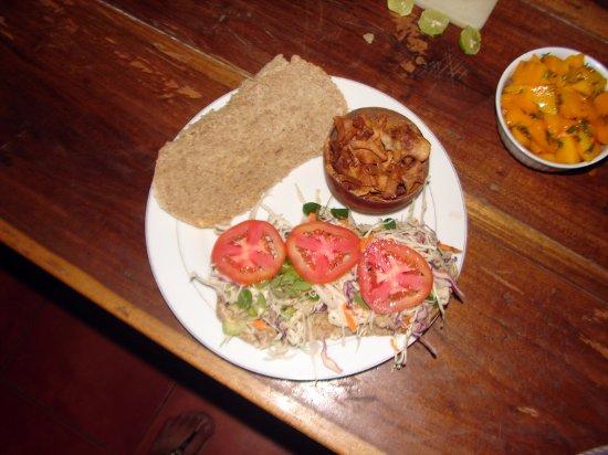 Balgue, Nicaragua: big sandwiches