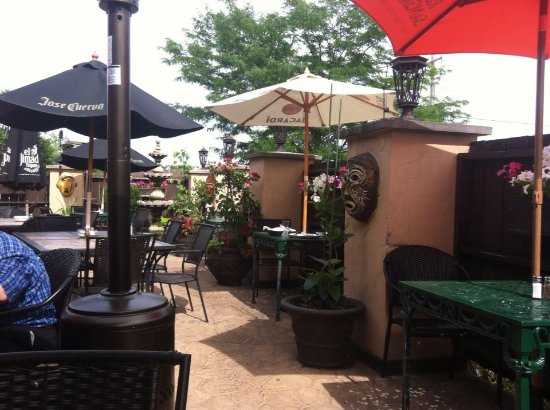 Schererville, IN: the patio at Jalapenos