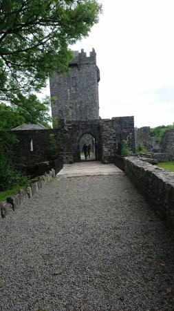 Aughnanure Castle: DSC_1903_large.jpg