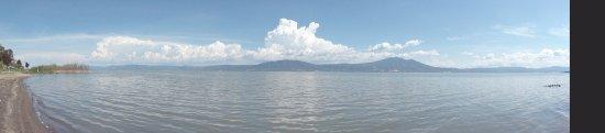 Casa Flores: Lake Chapala - just blocks away!