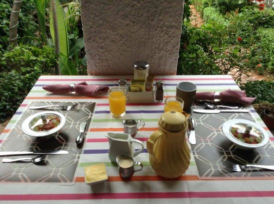 Casa Flores: Just the START of a wonderful breakfast!