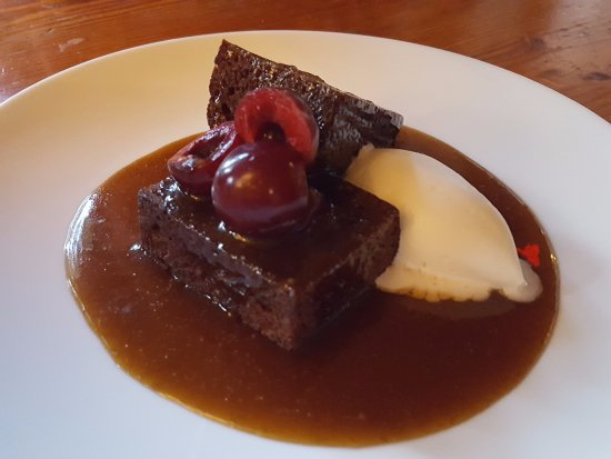 Gudrun: Warm toffee cake