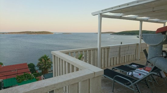 Island of Vis, Croacia: Great panorama from the balcony