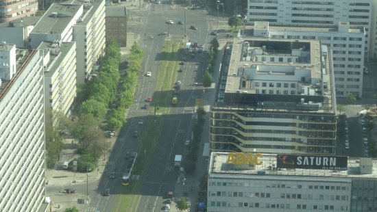 H2 Hotel Berlin Alexanderplatz: Hotel vu depuis la tour de la télévision.