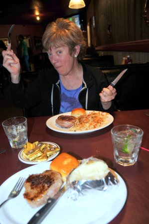 Kadoka, SD: Two fantastic steaks, and drinks!