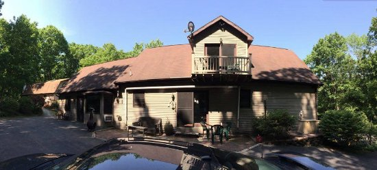 Sleepy Hollow Bed and Breakfast: Back of the house