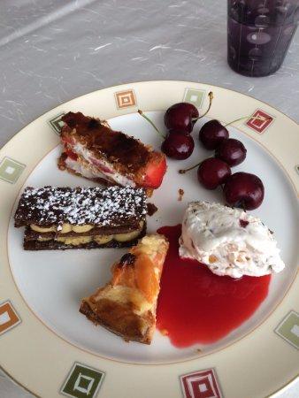 Hotel Restaurant De La Gloire: extraits du chariot de desserts