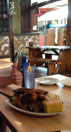 Buck's Naked BBQ Steakhouse: Decent portion