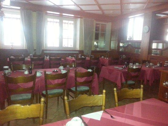 B&B Auberge du Chateau: salle de déjeuner