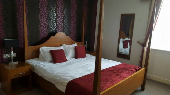 The Boleyn Hotel: received_1228933260452977_large.jpg