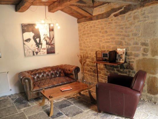 Chambre Ancienne Etable - Picture Of Le Clos Du Barry, Laissac