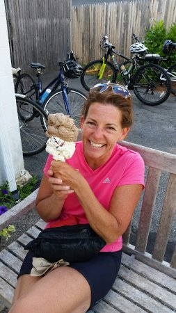 Bedford, MA: Legitimate ice cream,  worth bicycling 18 miles for