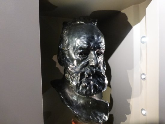Guernsey Museum: Victor Hugo by Rodin