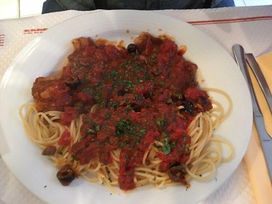 Ristorante Pizzeria Rossini: Escalope à l'Italienne et ses pâtes