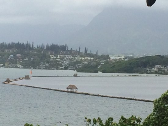 Kaneohe, Hawái: View of the fish pond