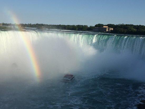 East Aurora, estado de Nueva York: Niagra Falls is a must!