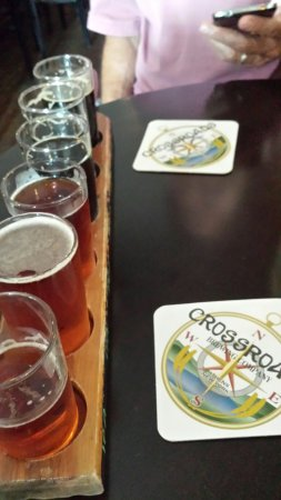 Crossroads Brewing Company: Great flight !