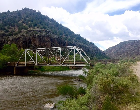 Arroyo Hondo, Nuevo Mexico: A beautifully engineered bridge