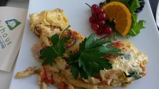 Hotel Fährhaus: beim Frühstücksbuffet: Omlette mit Wunschzutaten