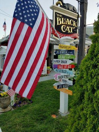Hyannis Port, MA: Black Cat Harbor Shack