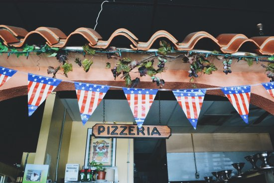 Naples Italian Restaurant : photo3.jpg