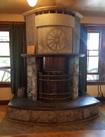 Chico Hot Springs Resort: gorgeous soapstone fireplace in main lobby