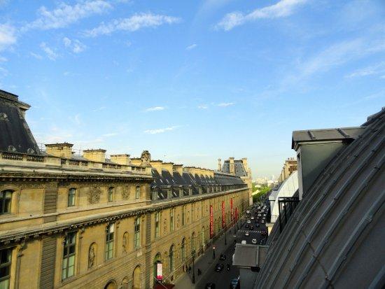 أوتل دو لوفر إيه حياة هوتل: View from my room, looking at the Louvre Museum.