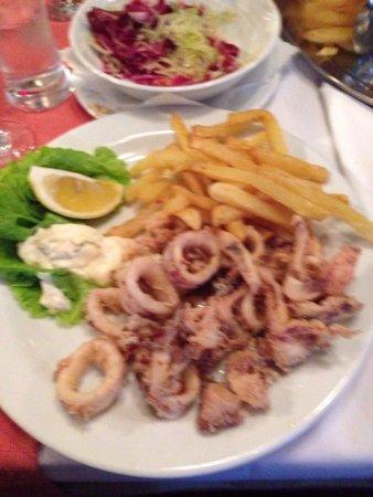 Dugi Rat, Kroatien: calamari fritti