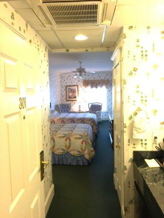 Main Street Inn and Suites: photo0.jpg