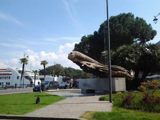 Monumento agli Aviatori del Reparto Alta Velocita