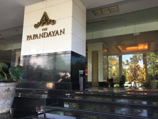 The Papandayan: Enjoyed everything about this hotel! Lovely grounds, room, staff service, and buffet breakfast!