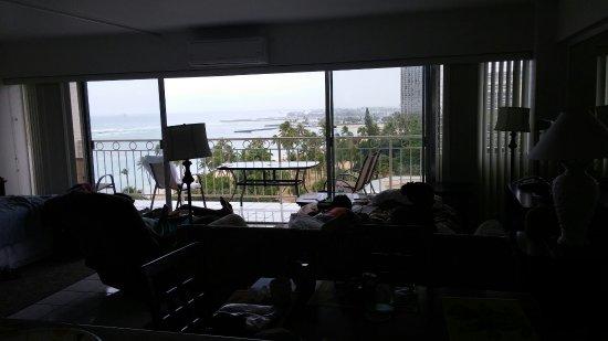 Waikiki Shore: 0703160853_large.jpg