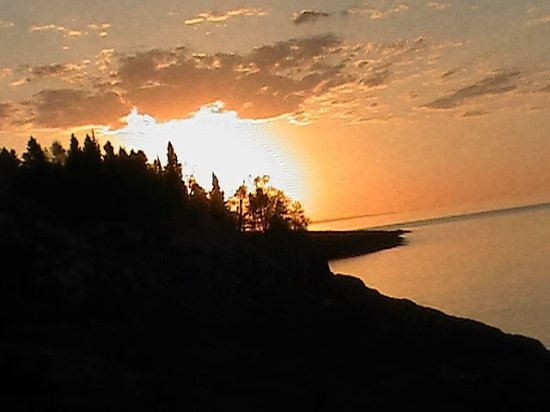 Bluefin Bay on Lake Superior: Sunrise outside of our room!