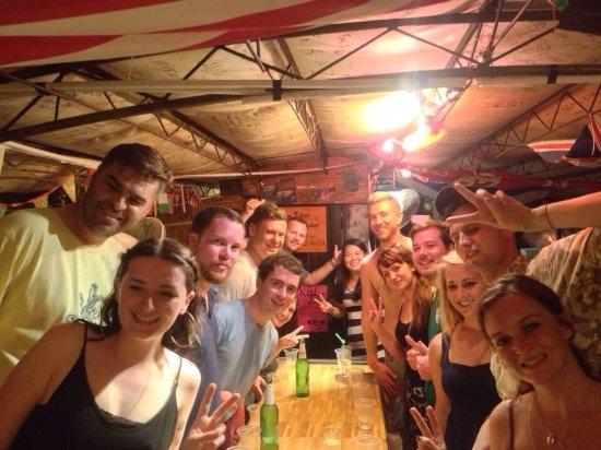 Monkey Jane's Guesthouse: Enjoy group photo!!