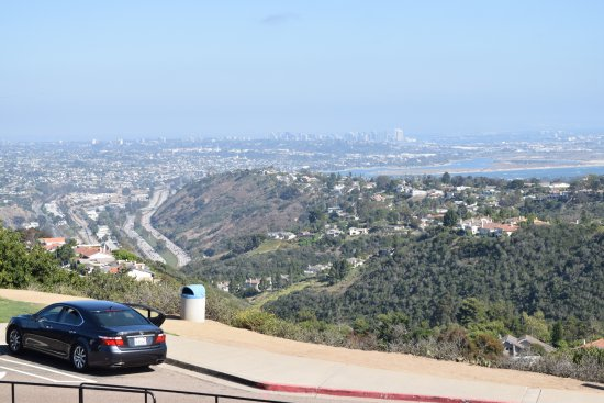 Mount Soledad : View of downtown San Diego and the ocean