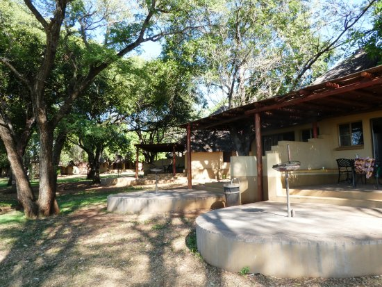 Lower Sabie Restcamp: Houses along the river