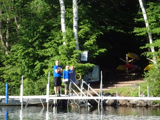 Wilton, ME: Dock right on the lake with free kayaks