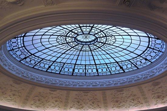 Gallery of Modern Art: coupole de l'édifice du musée une ancienne banque