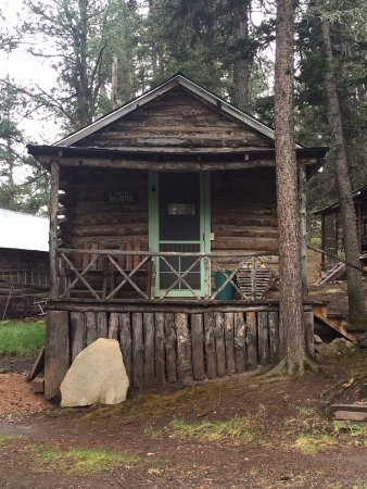 Los Pinos Guest Ranch : One of oldest original cabins