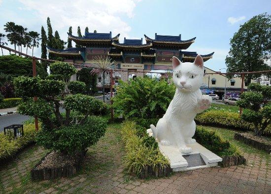 Sarawak, Malaysia: Kuching means Cat in Malay guarding the gate of Kuching Chinatown