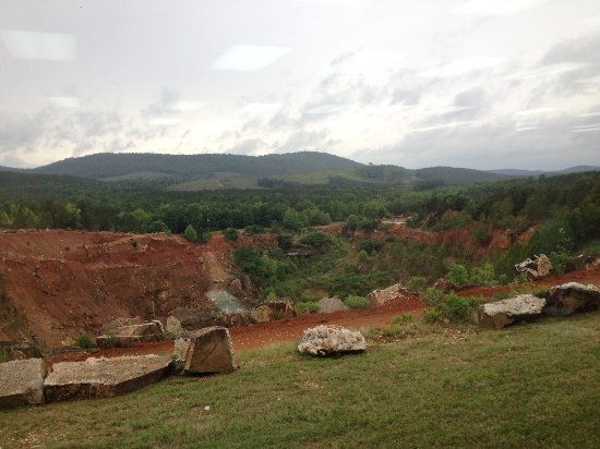 Jessieville, AR: view of the mine pit from the gift shop & office