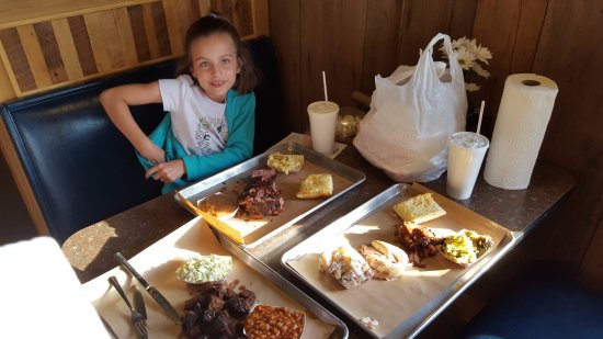 Arnold, MO: Sophia aka the ribs girl getting ready to go to work on those ribs! Verdict: delectable