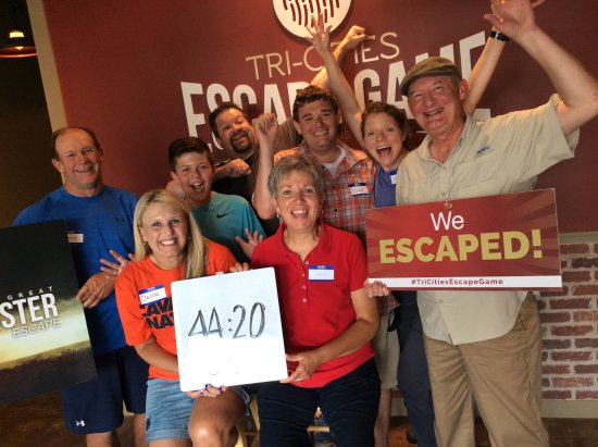 Bristol, Τενεσί: This team holds the Great Twister Escape record, y'all! Oh, yeah!