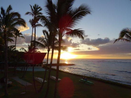 Mokihana: Sunrise from balcony
