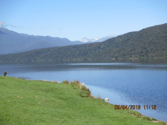 West Coast Region, Neuseeland: Short break at Lake Kaniere.
