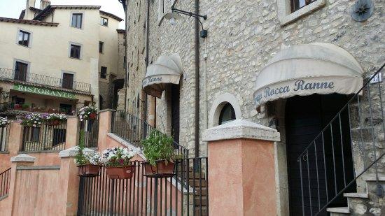 Montefranco, Italien: 20160626_194558_large.jpg