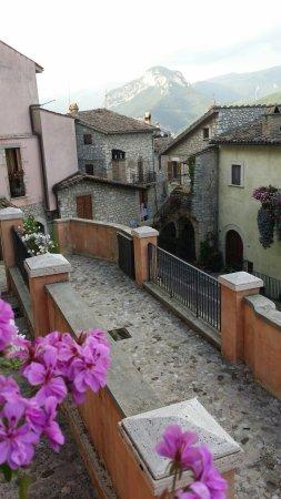 Montefranco, Italien: 20160626_194309_large.jpg